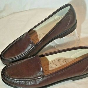 SAS Womens Loafers Brown Pebbled Leather Size 8.5N